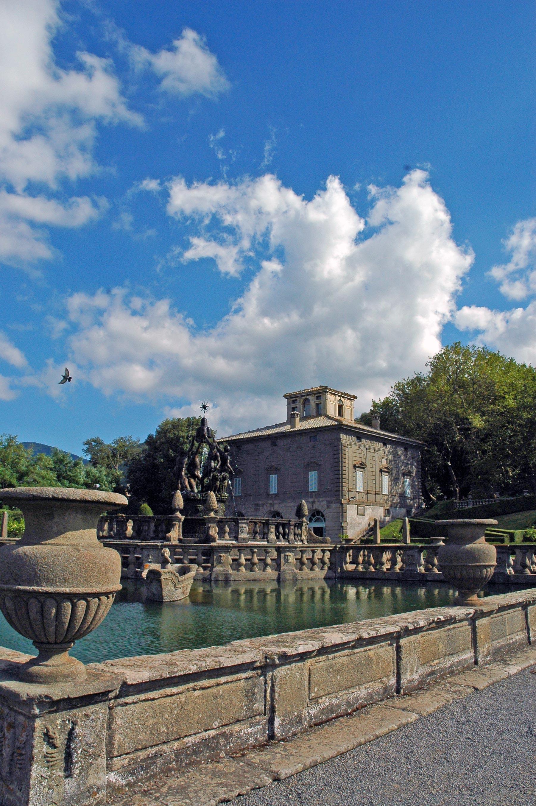 Villa Lante Fontana dei Mori